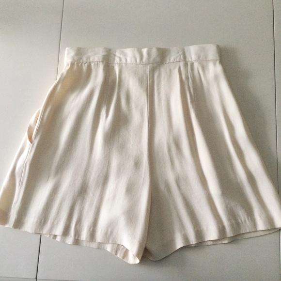 Judy Knapp - Vintage Cream High Waisted Shorts from ! zoë's closet ...