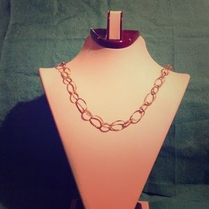 Jewelry - 18 inch gold link necklace