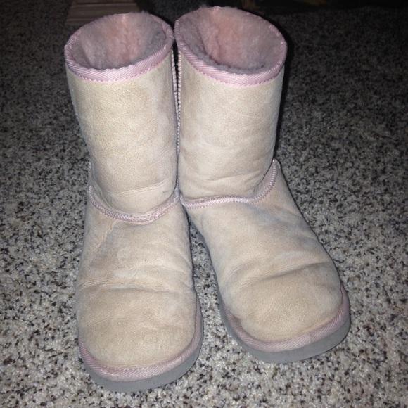 Light pink short ugg boots