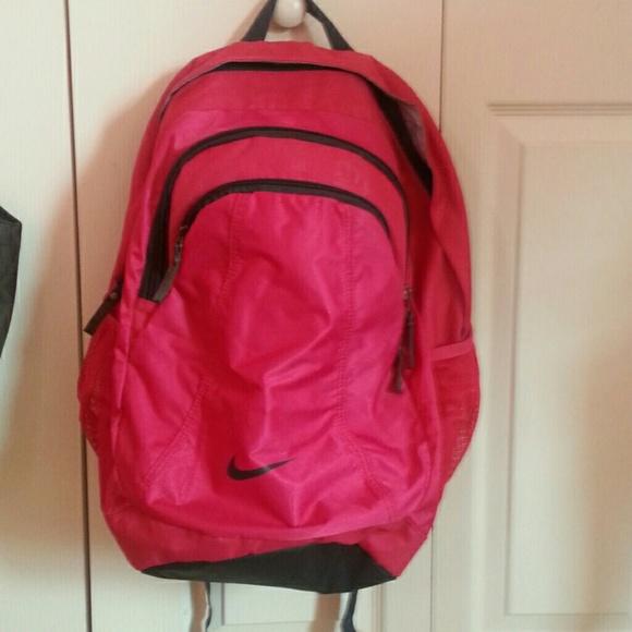 57a4673596e7 Hot Pink Nike backpack. M 55ae4df116ba97355f01c7ce