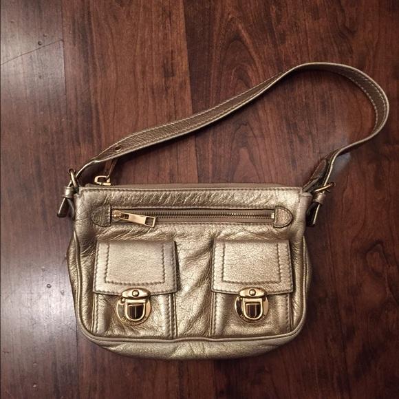Marc Jacobs Handbags - Marc Jacobs gold purse