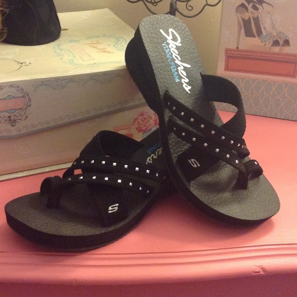 58 Off Skechers Shoes Sketchers Sea Jewel Sandal With