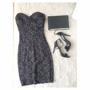 Dresses & Skirts - Grey floral dress