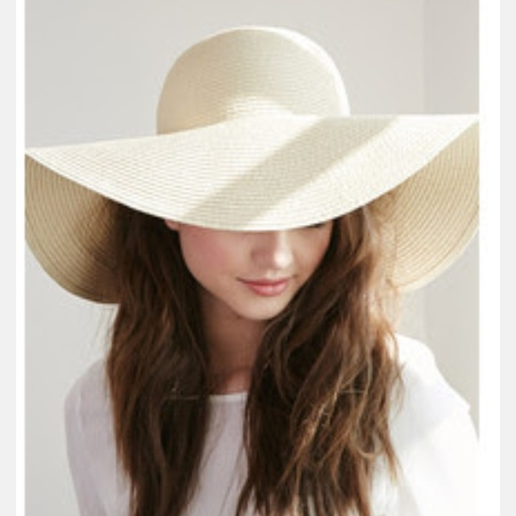 32652641860 Forever 21 Accessories - 🎀30% off 2 🎀 WHITE STRAW FLOPPY HAT