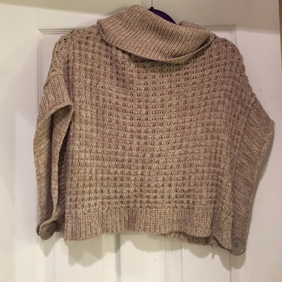 Cropped cowl neck sweater S from Erin's closet on Poshmark