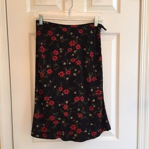 Ann Taylor 2P rayon skirt. Like new.