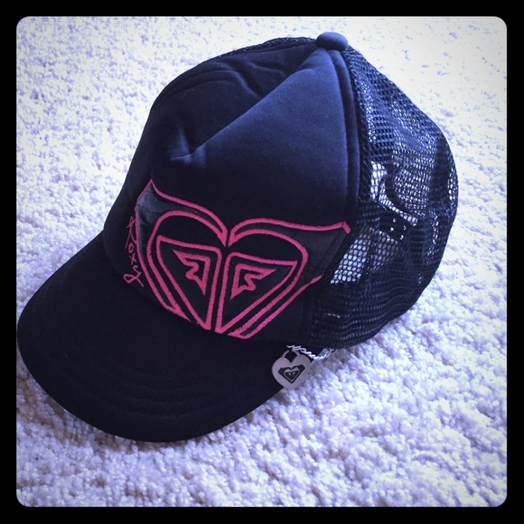 f6266c26b28 Roxy Accessories - Roxy black   pink trucker hat