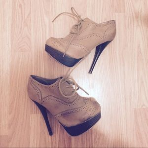 Steve Madden Oxford ankle booties