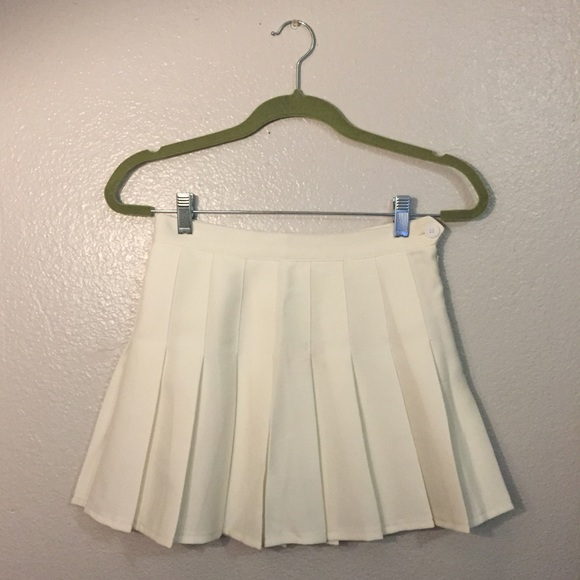 44 american apparel dresses skirts white pleated