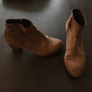 n.d.c. Shoes - n.d.c suede softy ankle bootie