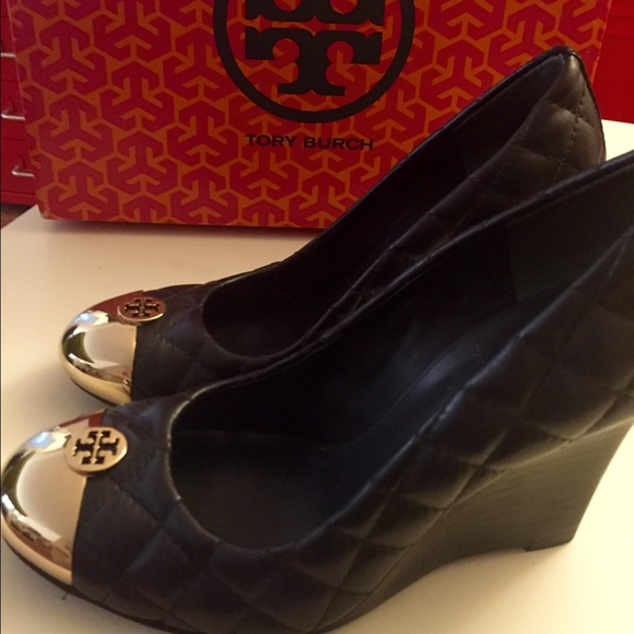 2b24410f1459 Tory Burch Kaitlin Quilted Leather Wedge 5.5. M 55afcf732bbdeb347402454f