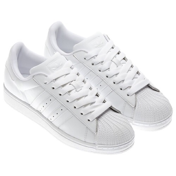 differently b609c f841c All white Shell Toe Superstar Adidas