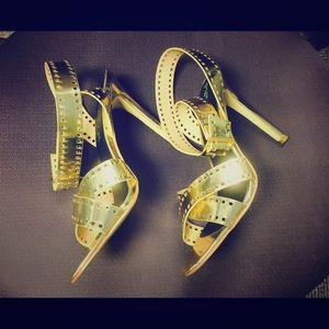 Shoes - Gold Heels Size 9