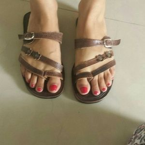 Shoes - Brown leather sandals