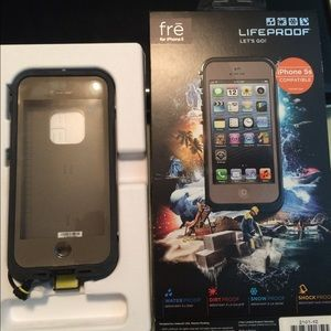 LifeProof Accessories - Dark flat earth LifeProof Case fre