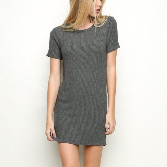 Brandy Melville Jenelle Dress 79bf84040