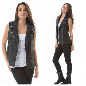 ❗️SALE❗️  🆕LISTING Black Vegan Moto Leather Vest