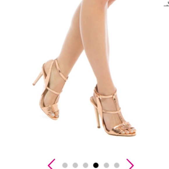 53bd3943665 Beautiful rose gold colored heels NWT