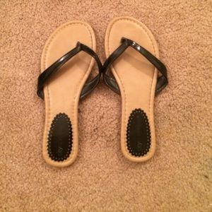 Shoes - black flip flops