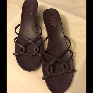 NWOT Kenneth Cole Brown Wedge Sandal