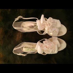 Nine West cream heels