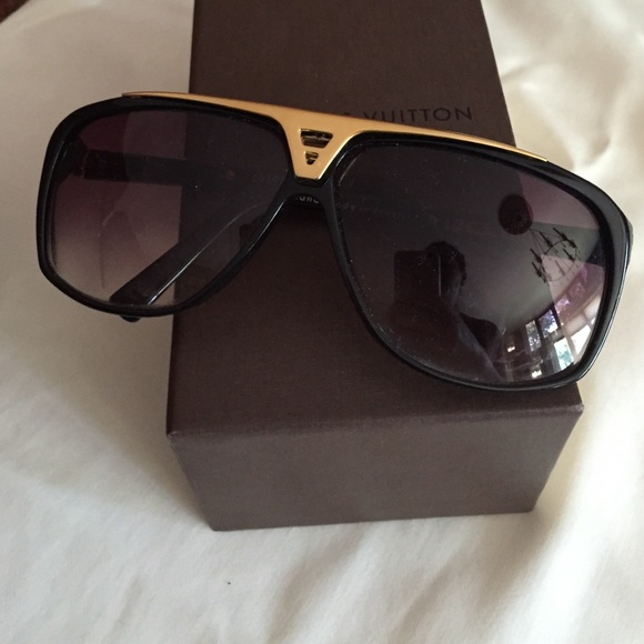 9208898cc70 Louis Vuitton Accessories