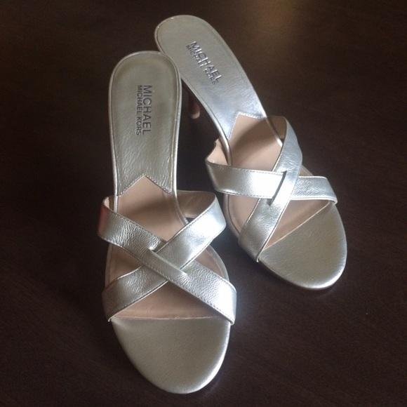 291ef3b6c3f207 Michael MK champagne gold sandal heels. M 55b12bae5020b96c2500487f