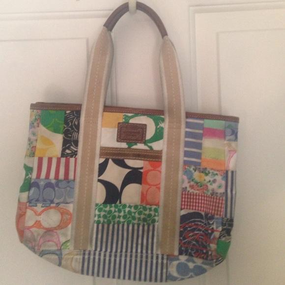 f2104a39b5 Old style coach purse