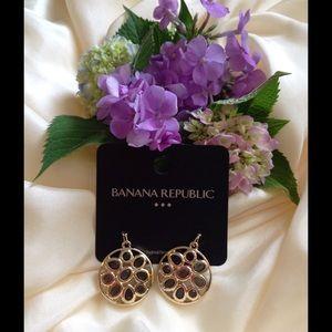 Beautiful earrings Banana Republic