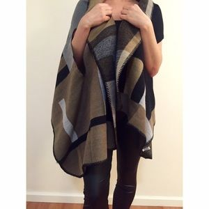 Taupe Colorblock Poncho