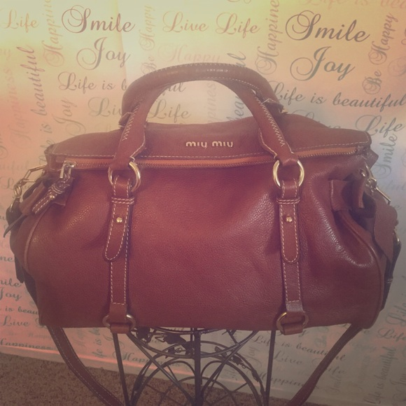48feddbfcca6 Miu Miu Vitelli Lux Lg Bow Brown Shopper Satchel. M 55b1a0cad570412c02007a00