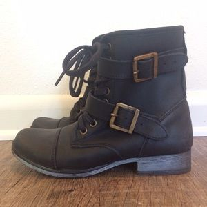 🎉 Host Pick! 🎉 New Dolce Vita Ankle Moto Boots