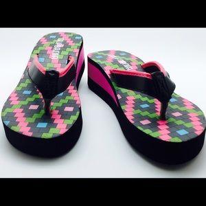 HBCali Shoes - New with tags flatform sandals flip flops🎀