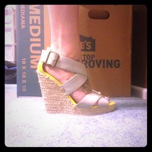Grey and neon yellow wedges