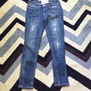 Dollhouse distressed skinny jeans