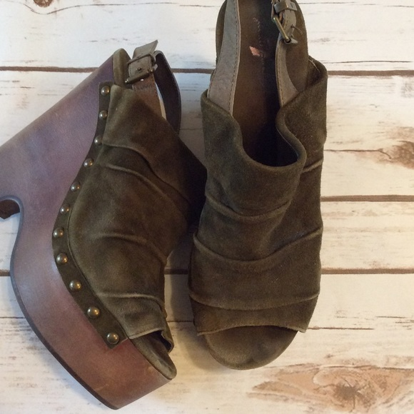 seven7 suede olive wedges from s closet on poshmark