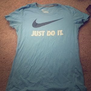 Nike slim fit workout tee!