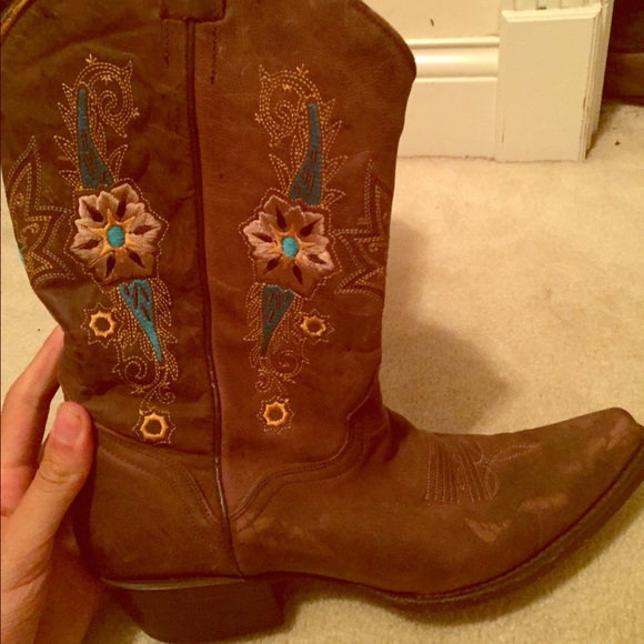 XXXSOLDXXXMISS Cute authentic cowgirl boots! 10 from Hannah's ...