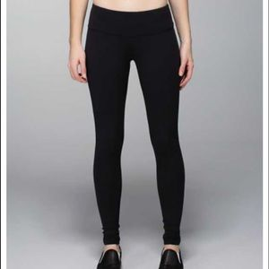 lululemon athletica Pants - Lululemon black wunder under leggings