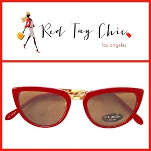 Accessories - NWT Gorgeous Two-Tone Cat Eyes Sunglasses