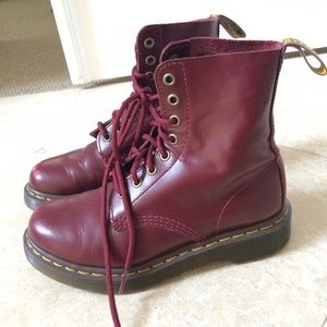 RED DOC MARTENS AUTHENTIC
