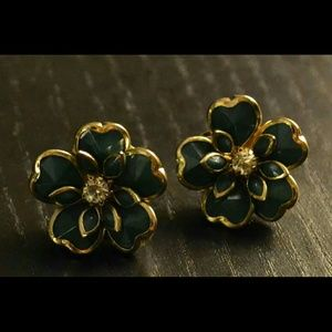 Forever 21 Jewelry - Forever 21 Green Flower Earrings