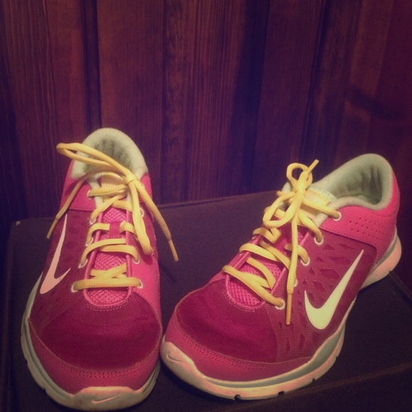 Lower price Nike tennis shoes, neon colors.