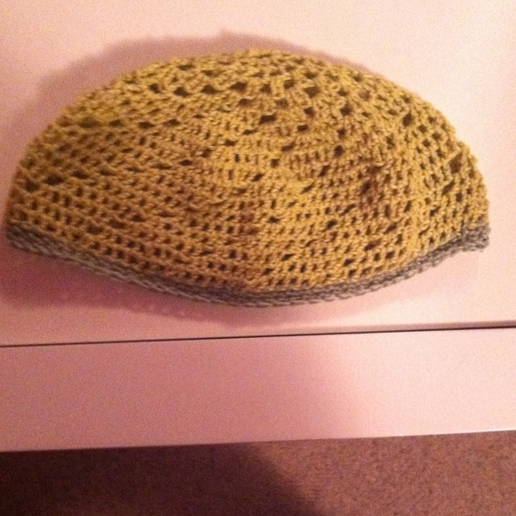 handmade by me Accessories - Green crocheted beanie