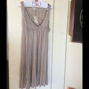 Vertigo Paris Dresses & Skirts - Price drop of 30 ❤️❤️