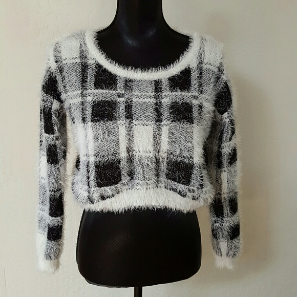 bebe 2b bebe fuzzy crop plaid sweater from gwen 39 s closet. Black Bedroom Furniture Sets. Home Design Ideas