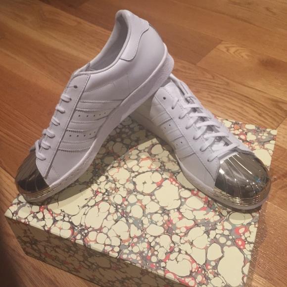 adidas superstar chrome toe