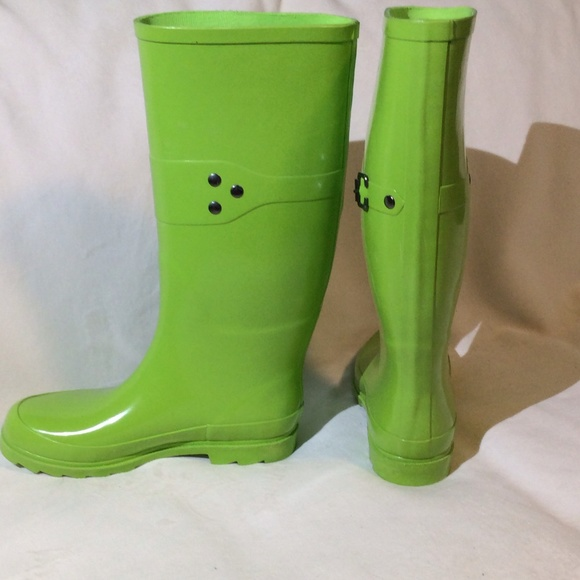 70% off GAP Boots - Gap lime green rain boots. from Kristen's ...