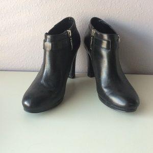 Lauren Ralph Lauren-  black boots