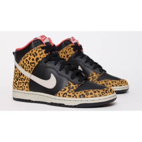official photos 0d163 b713a NIKE Animal Print Dunk High-Top Sneakers. M55e66c9dd6b4a1be2d01ec2c
